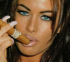 carmen-electra-smoking-cigar